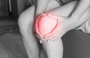 Read more about the article Knee pain घुटनों के दर्द का कारण और घरेलू उपाय